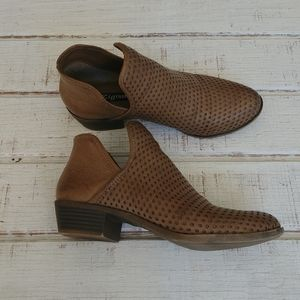 Zigisoho Perforated Notched Ankle Booties